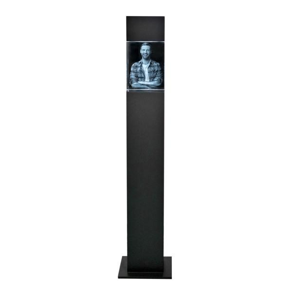Stele, schwarz mit Glasblock 200x150x100 mm hoch 1-10 Personen